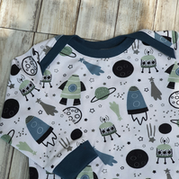 Space Baby T-Shirt jumper, size 68 3-6 months, with cuffs and envelope neckline