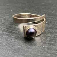 Black Freshwater Pearl and Sterling Silver 'Wrap' ring.