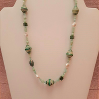 Pale green striped bead necklace