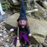Needle felt witch, felt witch, Halloween witch, handmade doll, wool witch