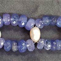 Tanzanite & Pearl bracelet finished with Gold Plated 925 Sterling Silver clasp