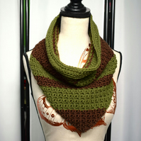 Brown and Green Crochet Cowl