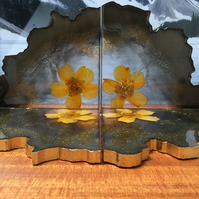 Set of 4 pressed flower resin coasters. Black, gold, glittery and gorgeous!