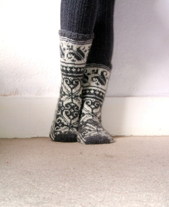 Warm grey and white wool socks handmade scandinavian norwegian