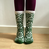 Hand knitted White and Green Wool Socks Flowers Floral Scandinavian Fair isle