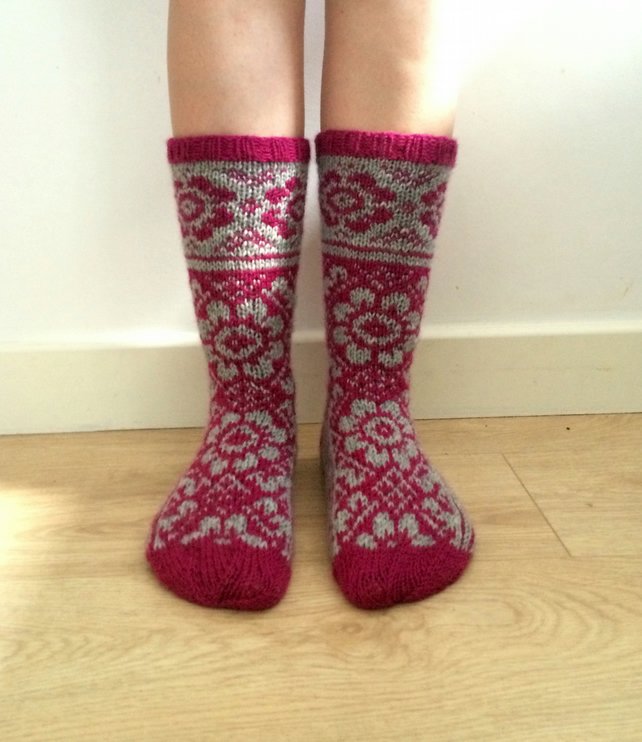 Hand knitted wool socks floral dark pink magenta fuchsia light grey winter fall