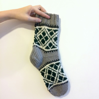 Ready to Ship Thick Mens Hand knitted Wool Socks in Grey White and Green Pattern