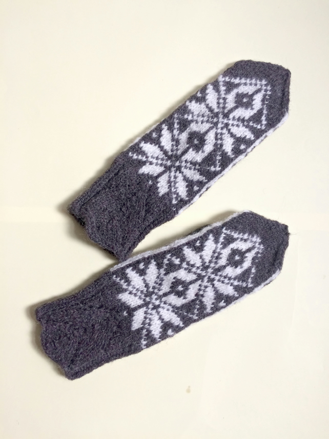 READY TO SHIP Hand Knit Wool Mittens Fair Isle Grey White Snowflake Christmas