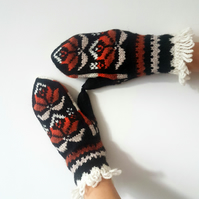 Hand knitted Wool Mittens Traditional Nordic Fair Isle Black Red White Winter