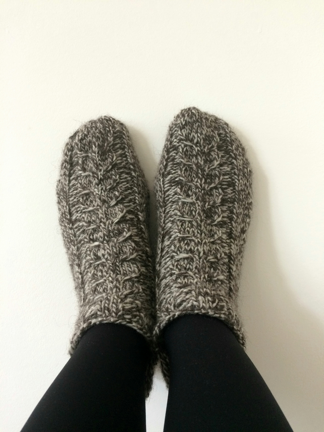 9b12347ea1aa9 Luxury Wool Socks Slippers with Cables Grey Brown