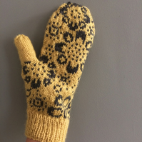 MADE TO ORDER Yellow Grey Wool Flower Fair Isle Mittens Winter Snowflakes Floral