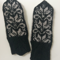 Hand knitted Black Grey Wool Mittens Traditional Nordic Fair Isle