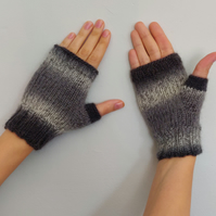 Hand knit Wool Black Grey White Ombre Fingerless Gloves Mittens Unisex