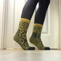 Hand knit Grey Yellow Wool Socks Fair Isle Floral Nordic Winter Christmas