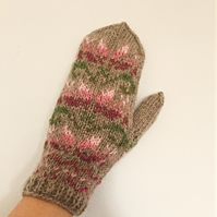 READY TO SHIP Beige Pink Green Pastel Wool Mittens Floral Nordic Fairisle Scandi