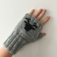 Grey Black Fingerless Mittens Gloves Scandinavian Nordic Fair isle Reindeer Deer
