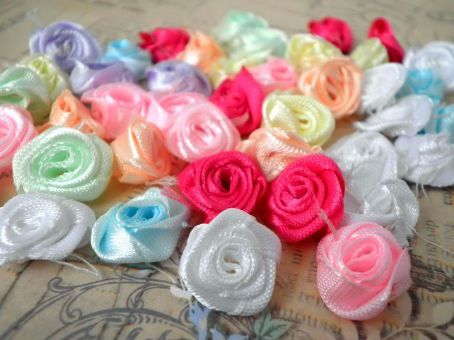 Mixed Colour Pack of x100 Satin Roses 14 -18mm