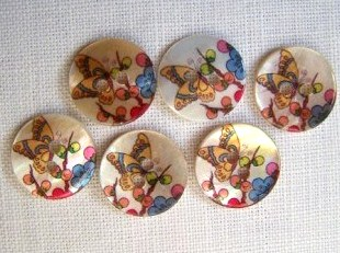 6 x Butterfly Shell Buttons (15mm)