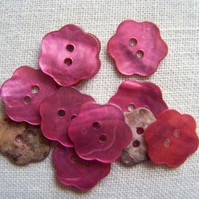 10 x pink shell flower buttons (15mm)