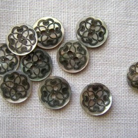 10 x Babette Shell Buttons - 10mm