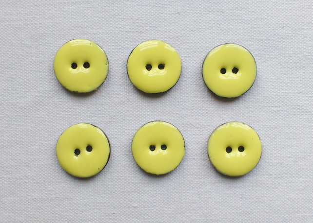 6 x Yellow Glossy Coconut Shell Buttons - 18mm
