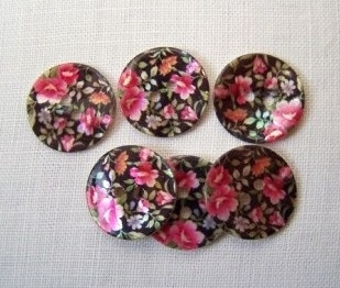 6 x Gypsy Shell Buttons - 20mm