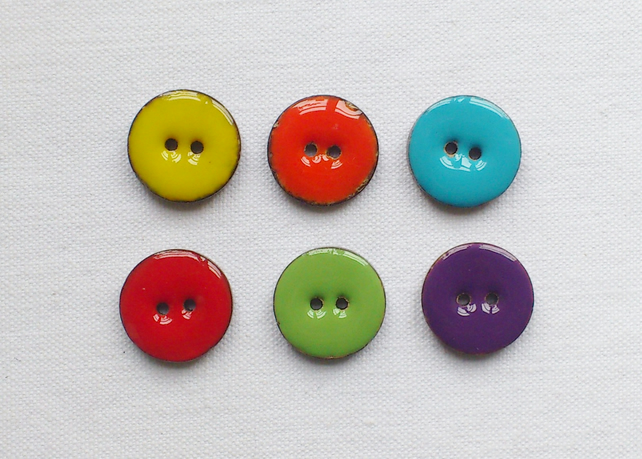 6 x Glossy Coconut Shell Buttons - 18mm