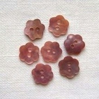 7 x Pale Pink Shell Flower Buttons (10mm)