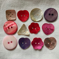 12 x Selection of Pretty Shell Buttons (15-25mm)