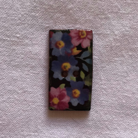 Happy Flower Hand-Made Buttons - 28x15mm