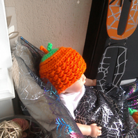 Halloween hat and booties set
