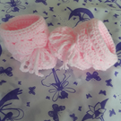 Baby girl booties in pink