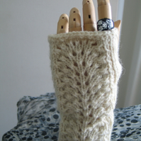 Aran fingerless mitts