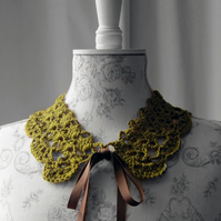 Lacy Lichen crochet collar