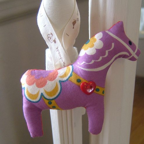Dala Folk Horse Hanging Decoration / Keepsake - Mauve