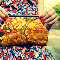 'Kitty' vintage fabric clutch purse - autumn peony