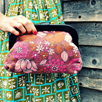 'Amelia' vintage fabric resin frame clutch purse –  In the pink