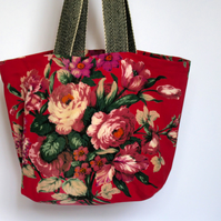 Red blooms Market Tote - Simple Fabric Bag