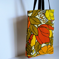 Groovy Floral Classic Tote with Gusset – simple fabric bag