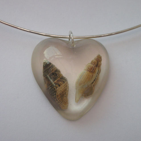 Fossilised shells pendant and sterling silver