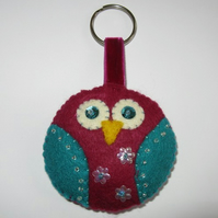 Pink felt owl keyring/ decoration