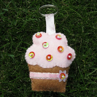 Cute cupcake felt keyring/ decoration