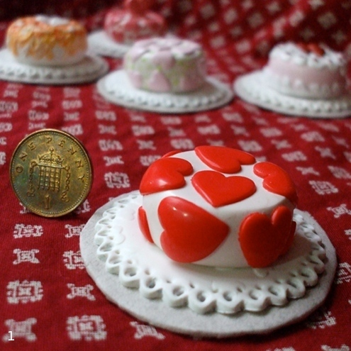 valentinies cake - a little collectable decoration