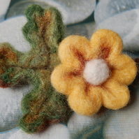 yellow oak-leaf brooch - needle felted