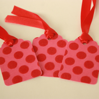 Pack of 3 red and pink spotty gift tags