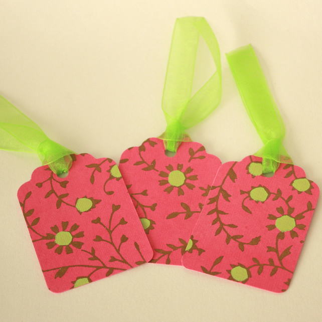 Pack of 3 pink and green gift tags - now reduced