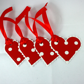 Red and white spotty heart gift tags