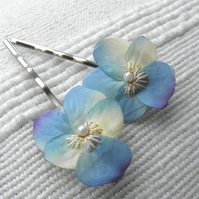 Little Blue Viola Clips