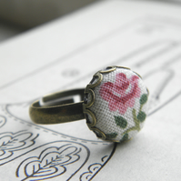 Vintage Rose - Fabric Button Ring