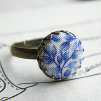 China Blue Leaves - Fabric Button Ring